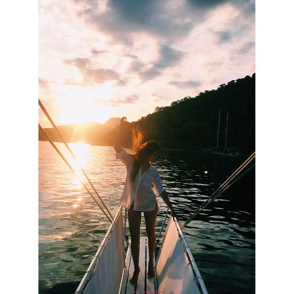 Hande-Erçel-Bikini-Gömlek