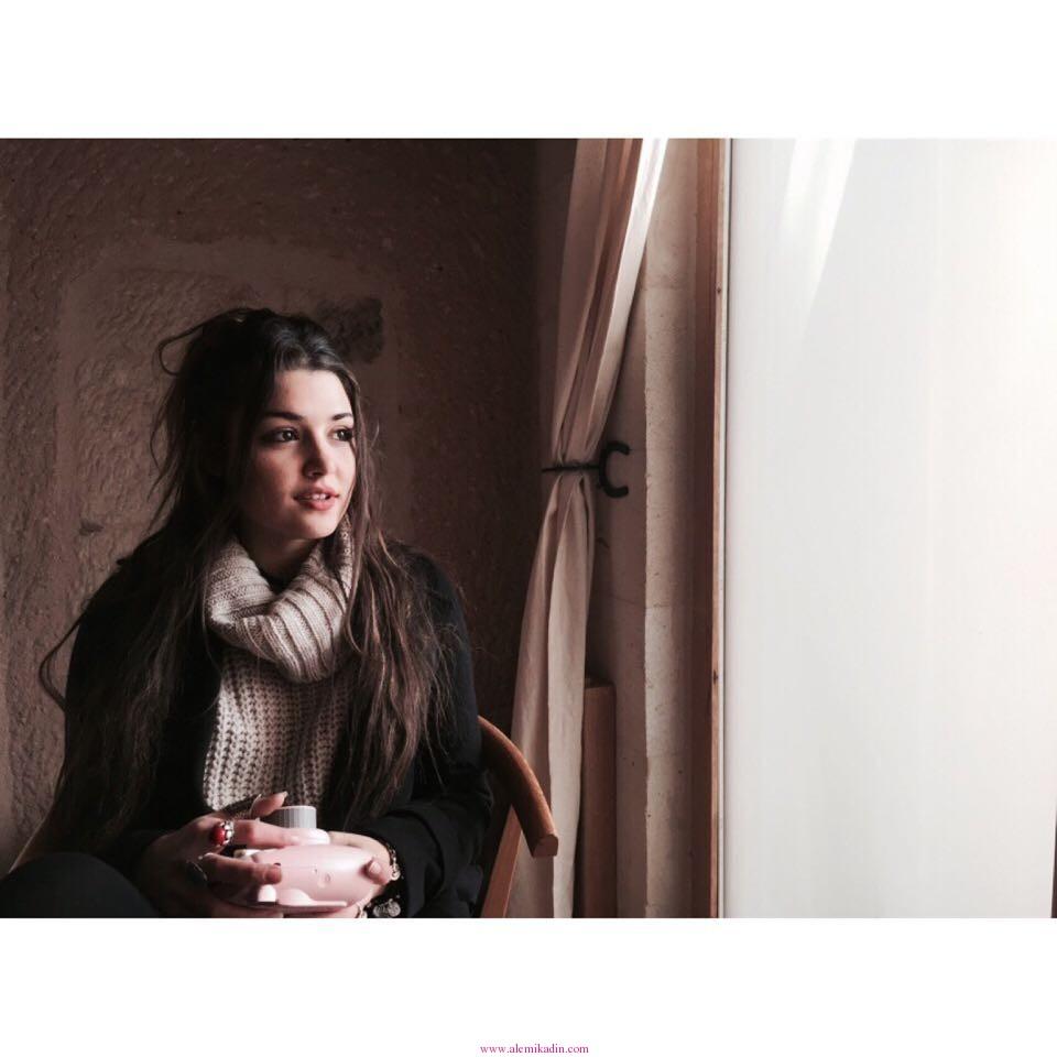 Hande-Erçel-Fotoğrafları-2014