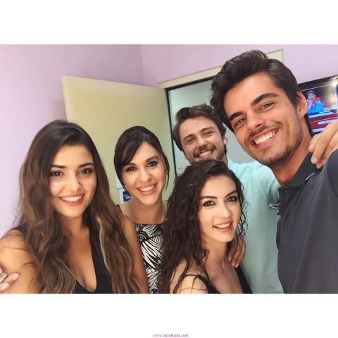 Hande-Erçel-Güneşin-Kızları-Selin-640x480