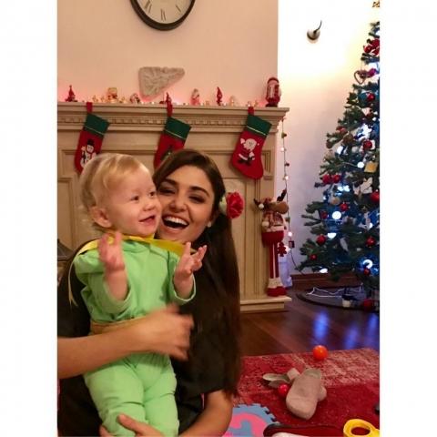 Hande-Erçel-Noel-Yılbaşı-1024x1024-640x480