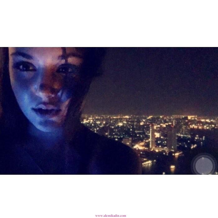 Hande-Erçel-ve-Gece
