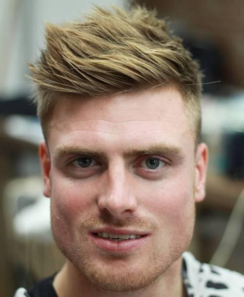 Keskin Ve Pürüzsüz Erkek Saçı